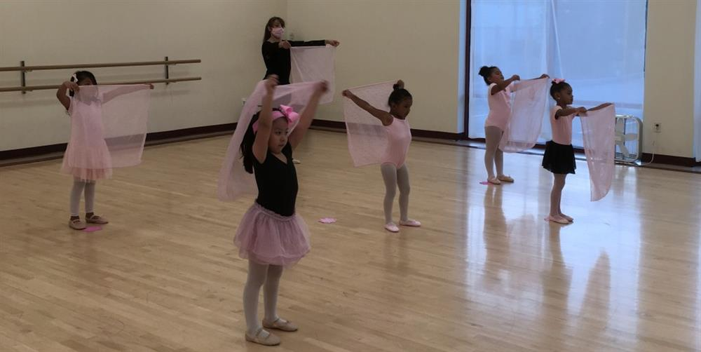Children Ballet group dance class in Houston and Sugar Land